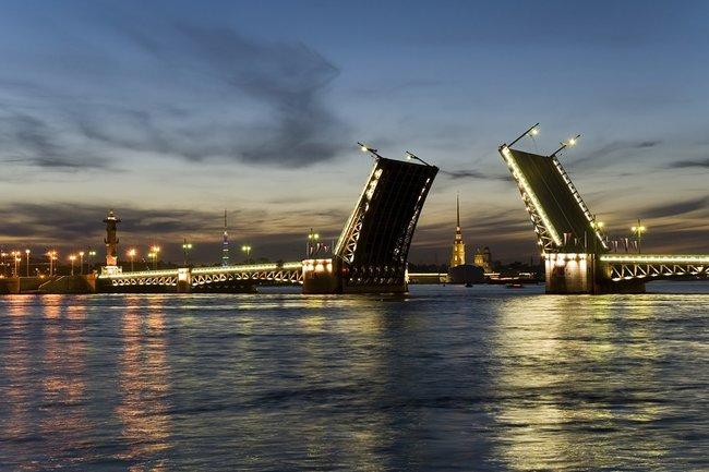 Первые три плавучие гостиницы появятся вПетербурге в2018 году