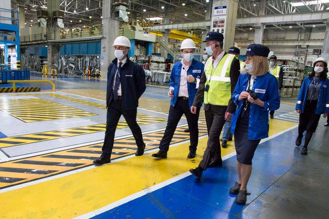 Владислав Шапша посетил предприятия по обработке металла в Грабцево