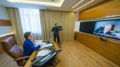 Губернатору ХМАО поступило более 200 вопросов от сургутчан