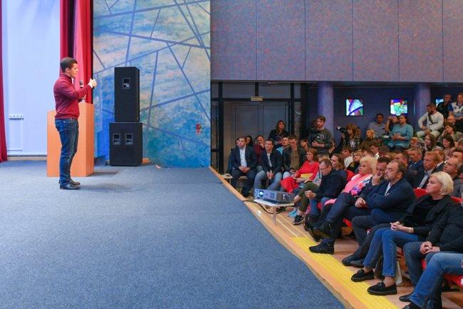 Дмитрий Артюхов встреча Ноябрьск
