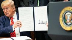 Это другое: Трамп разрешил своему другу купить TikTok