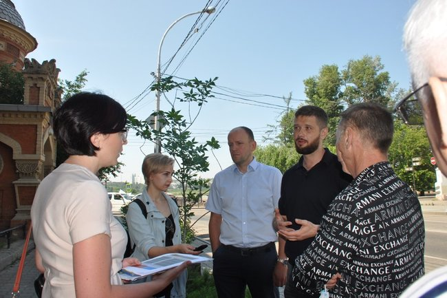 Выездное совещание депутатов и сотрудников администрации Иркутска.