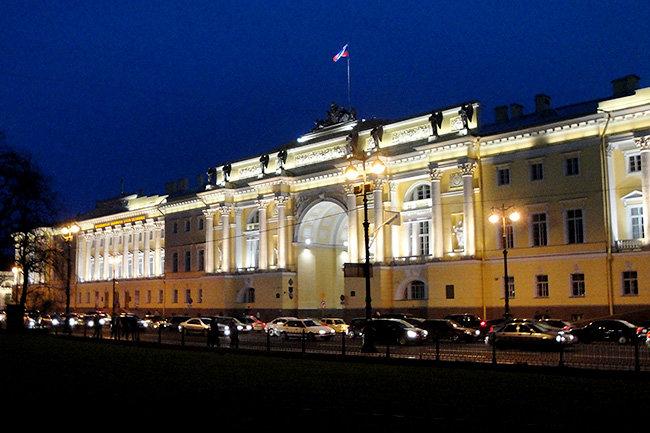 С граждан России разрешили взыскивать налоговые долги компаний
