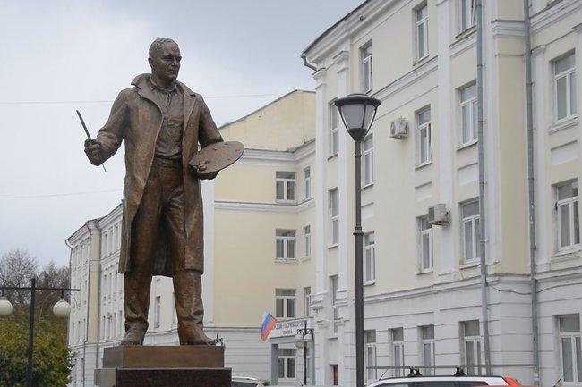 памятник Ефрему Зверькову