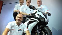 Легенды мотоспорта испытают мотоцикл Honda в гонках на выносливость