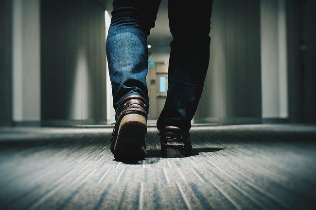 ноги обувь пятка шпора