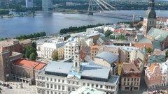 Дипломатия со средним пальцем: МИД Латвии возмущен вечеринкой в Риге