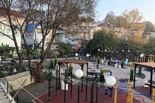 Сквер в Адлерском районе