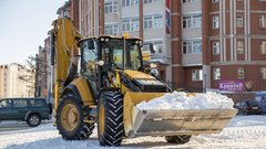 В Салехарде на уборку улиц от снега вышли 16 единиц дорожной техники