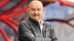 Черчесов назвал поражение сборной «полезной пощечиной»
