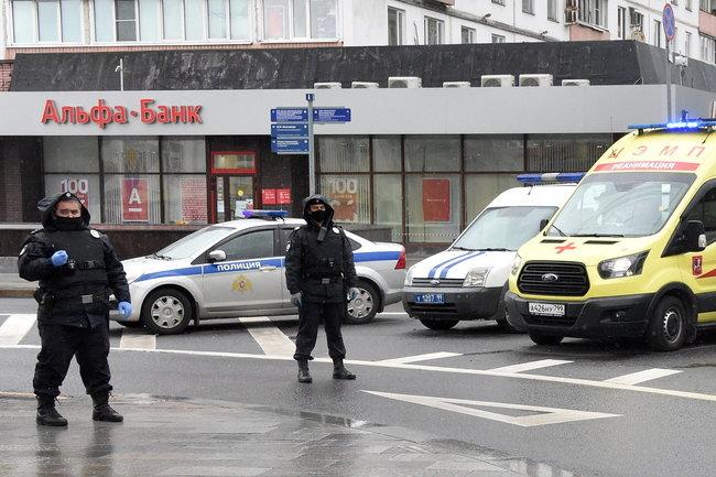 Альфа-банк захват заложников полиция банк