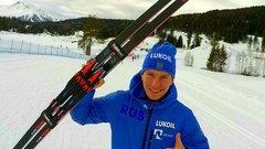 Лыжник Большунов выиграл гонку преследования на этапе КМ
