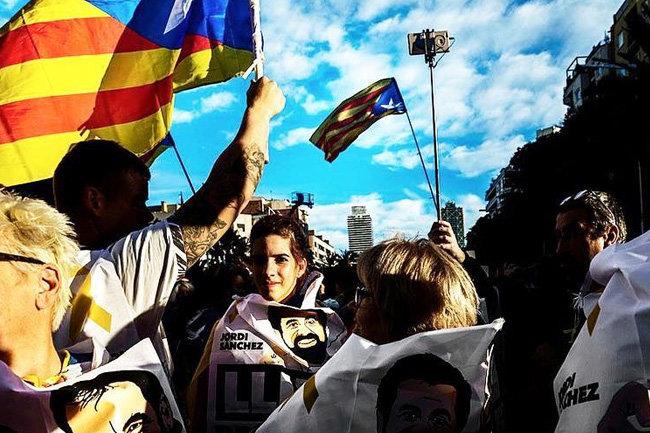МИД Испании: РФ  вмешалась вкаталонский кризис через социальные сети