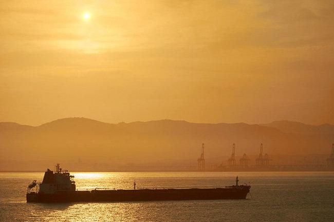 Ормузский пролив танкер нефть