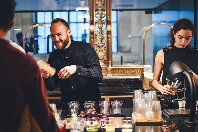 В Мурманской области определили лучших официантов
