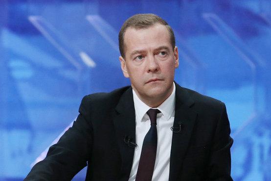 Медведев разрешил госкомпаниям хранить в тайне имена поставщиков