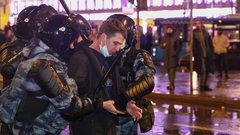 Выбили глаз: как сторонники Навального защищали своего босса