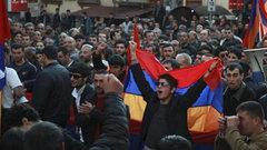 Лидер протестов вАрмении потребовал отставки кабмина