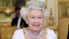 Елизавета II: скандал с Дианой, корги и другие факты биографии
