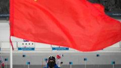 Во время лыжного спринта на ОИ болельщики вывесили флаг СССР