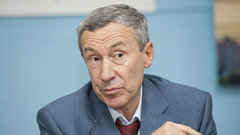 «Баржами повезут нам золото»: сенатор о возможном отключении России от SWIFT