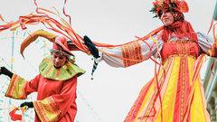 В Волгограде начали сборку 12-метровой фигуры Масленицы