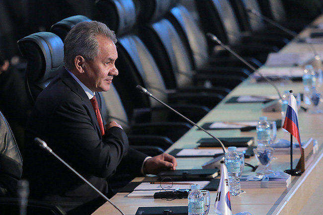 Министр обороны Российской Федерации прибыл вКатар спервым вистории официальным визитом