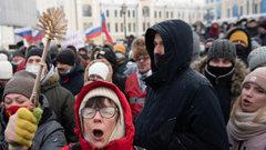 «Кризис власти, беззаконие и нищета»: экс-сенатор о причинах протестов