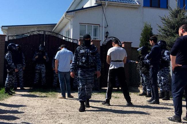 ВКрыму прошли обыски укрымских татар, есть схваченные