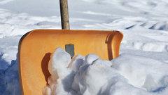 Глава Сургута Вадим Шувалов отправил чиновников чистить снег