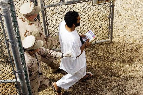Сексуальные издевательства американцев над заключенными