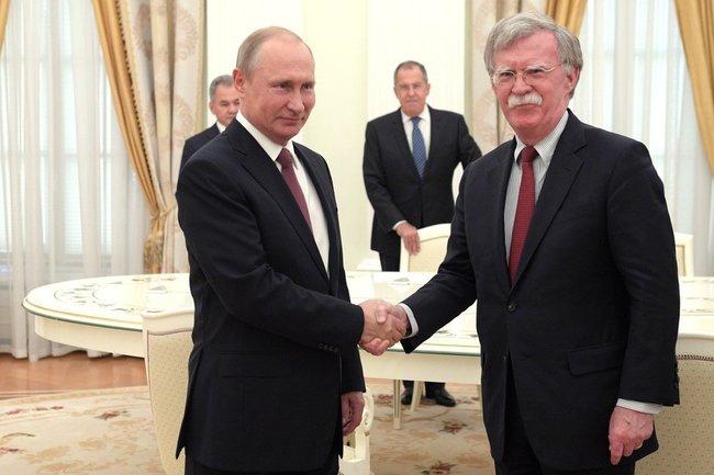 Владимир Путин принял в Кремле советника Президента Соединённых Штатов Америки по национальной безопасности Джона Болтона.