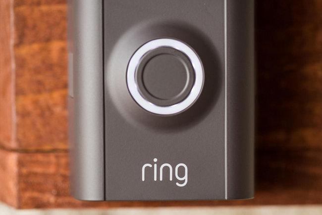 Корпорация Amazon приобрела стартап «умного» звонка за $ 1млрд