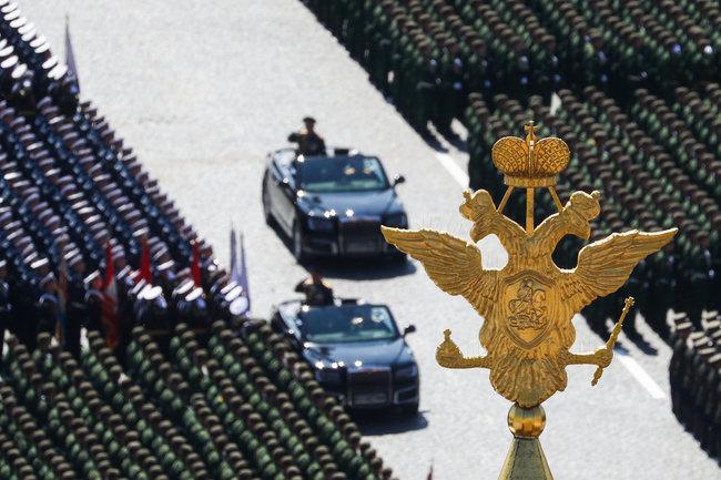 Россия парад символ