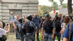 Хазин: сценарий «бузы» в России «никуда не делся»