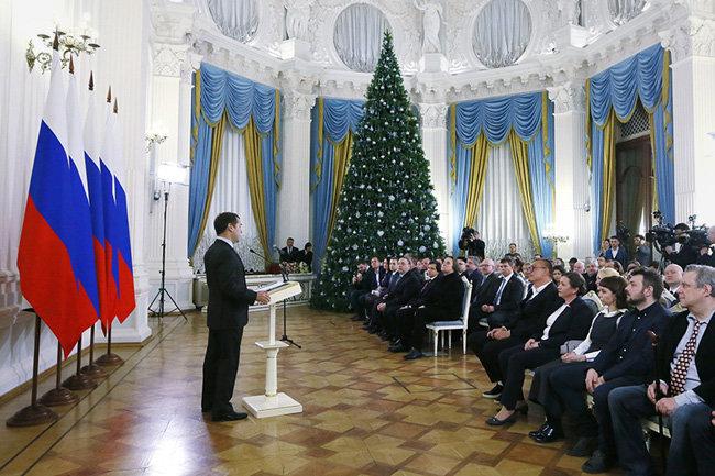 Медведев вручит правительственные премии вобласти СМИ