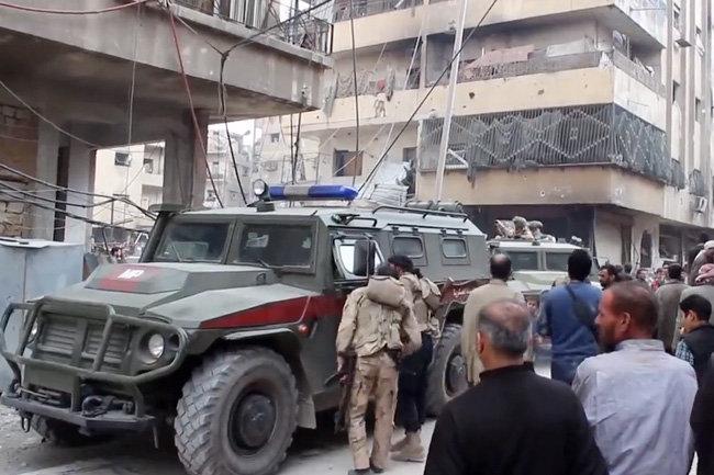 Колонна французских военных, прибывшая для поддержки курдов, по ошибке заехала на блокпост САА в Сирии