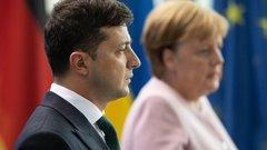 Зеленский галантно наблюдал, упадет Меркель в обморок или нет