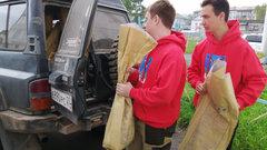 В Хабаровском крае волонтеры развозят бесплатную красную рыбу