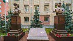 В Ханты-Мансийске появился мемориал Маргеловых