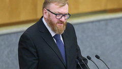 Милонов предложил приравнять экстрасенсов кпроституткам