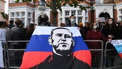Прекратит ли Навальный голодовку по просьбе врачей и сторонников