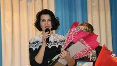 Вячеслав Битаров вручил ключи от квартиры победительнице конкурса «Учитель года»