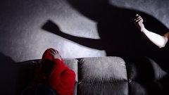 """""""Пандемия лишь обнажила эту проблему нашего общества"""": о домашнем насилии"""