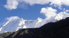 Вызволенный изгорного плена российский альпинист находится вреанимации