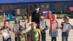 В Салехарде прошел конкурс детских рисунков «Наш друг – светофор»