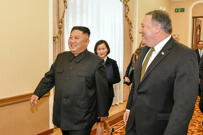 Ким Чен Ын и Майк Помпео
