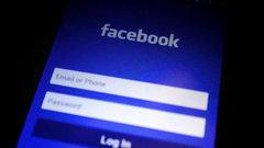 Facebook больше не входит в тройку самых популярных в США сайтов