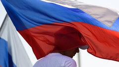Две трети россиян верят в теорию заговора против страны – ВЦИОМ