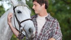 Ученые доказали, что лошади могут читать эмоции человека по лицу